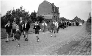 hier 1953 Gauchy cortège